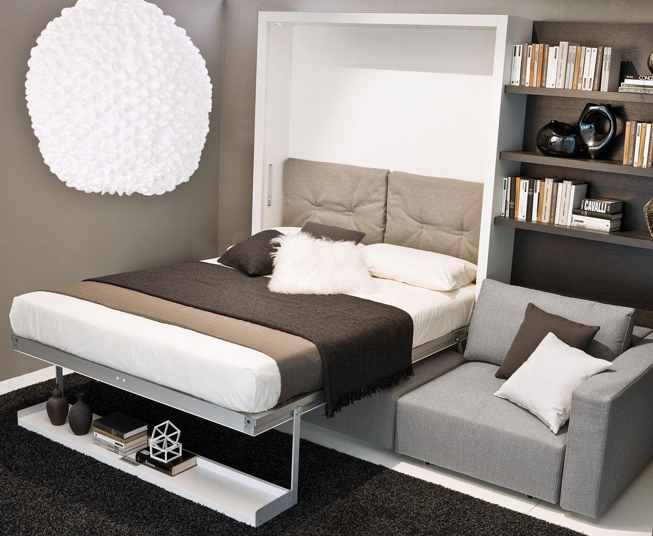 Ночью — кровать